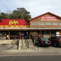 Photo taken at Rudy's Country Store & Bar-B-Q by Justin R. on 12/29/2012