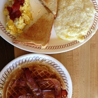 Photo taken at Waffle House by Imagine H. on 1/12/2013