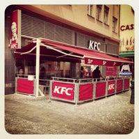Foto tomada en KFC por Charles W. el 7/5/2013