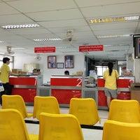 Photo taken at Bangkok Noi Post Office by Obkung P. on 3/16/2013