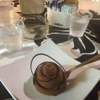 Foto scattata a C&G - Cioccolato e Gelato da Claudia I. il 5/23/2013