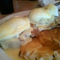Photo taken at Hi Life Diner by Dorothy H. on 7/27/2013