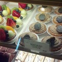 7/21/2013 tarihinde Frederic D.ziyaretçi tarafından Fay Da Bakery'de çekilen fotoğraf