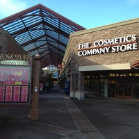 Photo taken at Woodburn Premium Outlets by Luis E. on 1/10/2013