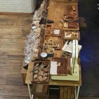 10/31/2015 tarihinde Can C.ziyaretçi tarafından Plus Kitchen'de çekilen fotoğraf