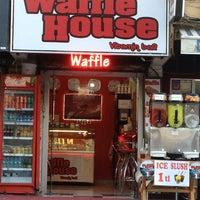 6/23/2013 tarihinde M.Çınarziyaretçi tarafından Waffle House-Vitamin Bar'de çekilen fotoğraf