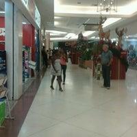 รูปภาพถ่ายที่ Garden Shopping Catanduva โดย Edmar H. เมื่อ 11/17/2012