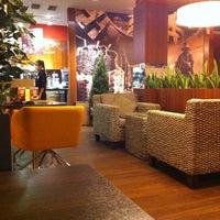 Photo taken at Coffeeshop Company by Yulianna U. on 11/24/2012