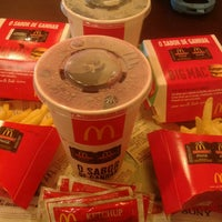 Photo taken at McDonald's by Bruna T. on 4/27/2013