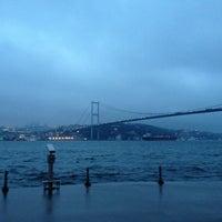 Das Foto wurde bei Kuzguncuk Sahili von Öznur A. am 1/26/2013 aufgenommen