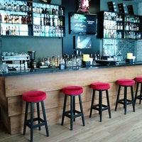 5/19/2013 tarihinde ёлюм м.ziyaretçi tarafından Shot Bistro Lounge & Bar'de çekilen fotoğraf