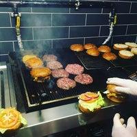 Foto diambil di Burger Bucks oleh Burger Bucks pada 4/9/2017
