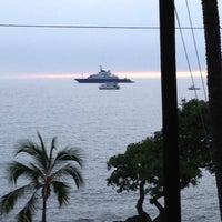 Photo taken at Humpy's Big Island Alehouse by Ray H. on 11/27/2012