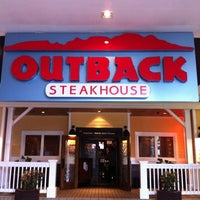 Foto tirada no(a) Outback Steakhouse por Isis T. em 11/25/2012