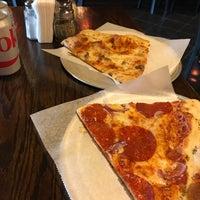 8/29/2017 tarihinde Patrick W.ziyaretçi tarafından Dante's Pizzeria'de çekilen fotoğraf