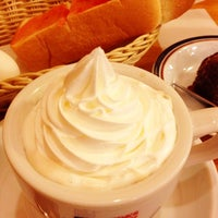 Photo taken at Komeda's Coffee by DJshingo on 11/10/2013