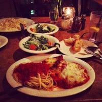 Photo prise au Italiano's Restaurant par Shahir A. le3/11/2013