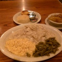 Photo taken at Cracker Barrel Old Country Store by Richard H. on 9/2/2013