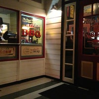 Photo taken at Lucille's Smokehouse Bar-B-Que by Justin on 3/10/2013