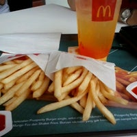 Photo taken at McDonald's by Miluh M. on 1/3/2013