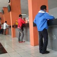 Photo taken at Kantor Pos Jakarta Timur 13000 by jung w. on 9/17/2013