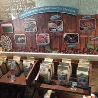5/5/2013 tarihinde £zq! Çalı$mazoğLuziyaretçi tarafından Caribou Coffee'de çekilen fotoğraf