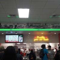 4/19/2018 tarihinde Marcos Paulo G.ziyaretçi tarafından In-N-Out Burger'de çekilen fotoğraf