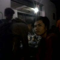 Photo taken at Nasi Uduk Cibatok-Cimanggu by Agung Triwicaksono P. on 1/30/2013