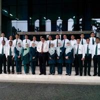 Photo taken at Perpustakaan Mandiri Universitas Al Azhar Indonesia by Syariefullah A. on 3/4/2013
