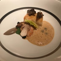 Photo taken at Restaurant Gordon Ramsay by tingzzz on 12/14/2017