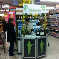 Photo taken at Carrefour hypermarkt by Vincent P. on 3/30/2013