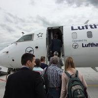Photo taken at Lufthansa Flight LH 2146 by Munenori F. on 5/31/2016