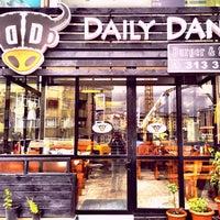 10/13/2015 tarihinde Tamer G.ziyaretçi tarafından Daily Dana Burger & Steak'de çekilen fotoğraf