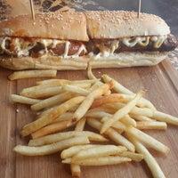 5/19/2015 tarihinde Tamer G.ziyaretçi tarafından Daily Dana Burger & Steak'de çekilen fotoğraf