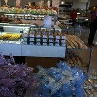 Photo taken at Veredas Pães e Gourmet by Edgard von Villon Imbó s. on 7/31/2013
