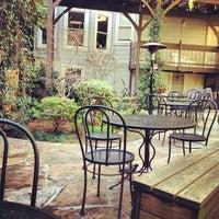 Снимок сделан в Arlequin Cafe & Food To Go пользователем Leslie H. 2/23/2013