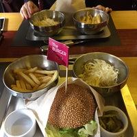 Снимок сделан в The Burger пользователем Ivan D. 3/15/2015