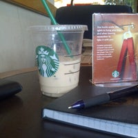 Photo taken at Starbucks by Mokhammad Ray N. on 6/6/2013