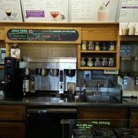 Photo taken at The Coffee Bean & Tea Leaf by Shawn T. on 5/28/2017
