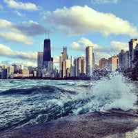 7/24/2013 tarihinde Maggie H.ziyaretçi tarafından Chicago Lakefront Trail'de çekilen fotoğraf