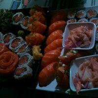 Foto tirada no(a) Hamadaya Sushi Bar por Alice F. em 9/29/2013