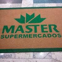 Foto tirada no(a) Master Supermercados por Charlie S. em 4/9/2013