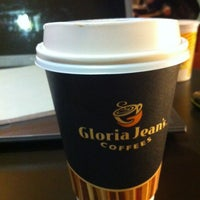 Photo taken at Gloria Jean's by Abdul K. on 2/15/2014