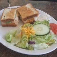 Photo taken at Boys Burger by Ranon P. on 5/2/2014