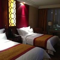 Foto scattata a Renaissance Moscow Monarch Centre Hotel da Elena S. il 2/1/2013