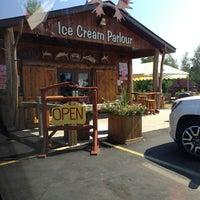 Photo taken at Big Moose Ice Cream by Ateker O. on 8/28/2013