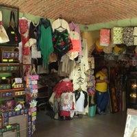 Foto tomada en Mercado Turístico Artesanal Tequisquiapan por Alejandro G. el 11/17/2012
