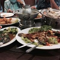 Photo taken at Keng Som Restaurant by Tyhahaaa on 3/18/2017