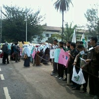 Photo taken at Lapangan Gasibu by Raynaldo F. on 2/14/2013