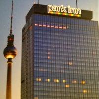 11/18/2012 tarihinde Robert M.ziyaretçi tarafından Park Inn by Radisson Berlin Alexanderplatz'de çekilen fotoğraf